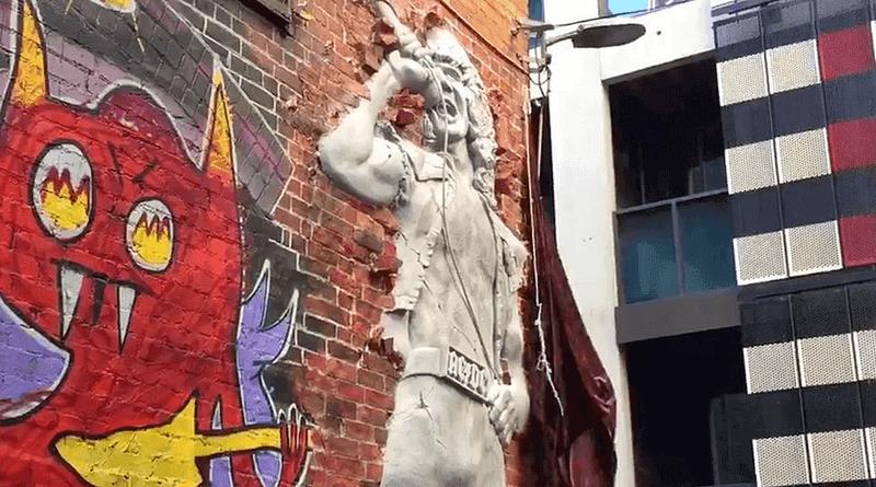 Płaskorzeźba Bona Scotta z AC/DC w Melbourne